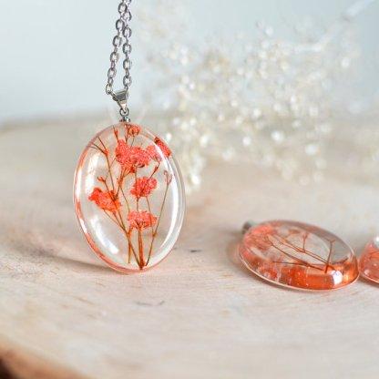 resin_flower_necklace_handmade_gift