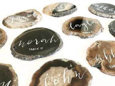 agate_slice_wedding_place_cards