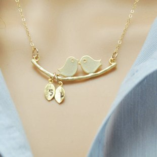 gold-mothers-day-necklace-new-mom-gift