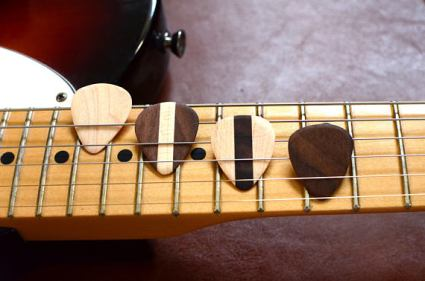 wooden_guitar_picks_fathers_day_gifts